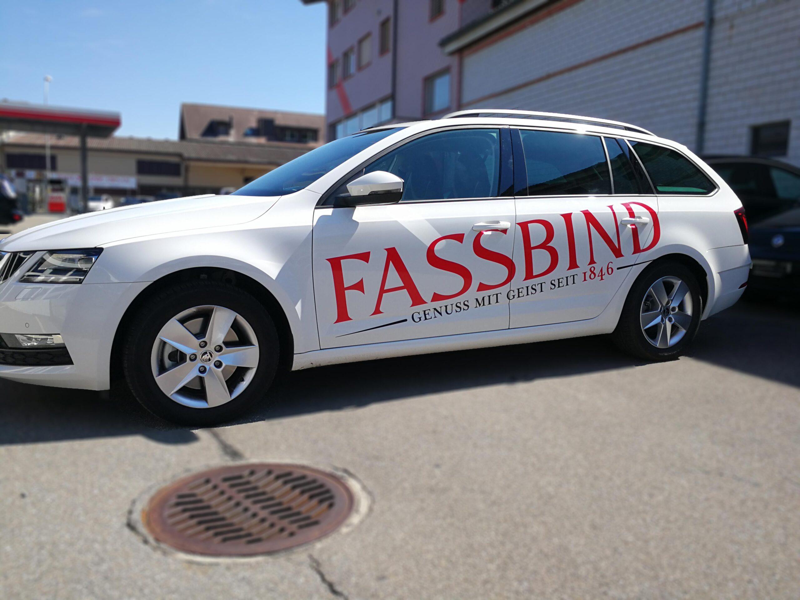 Fahrzeugbeschriftung-mit-Folie