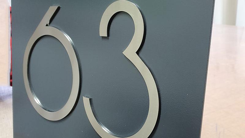 Hausnummerschild BlackStone