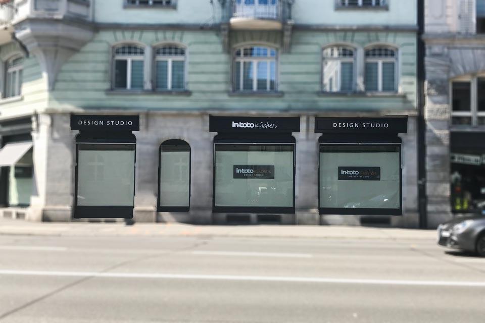 Schaufensterbeschriftung Blackstone Werbetechnik